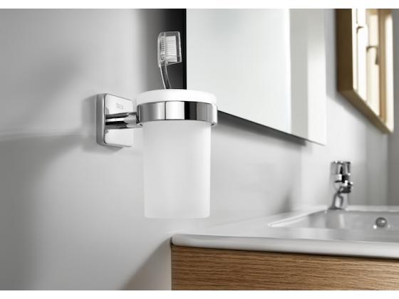 Bathroom accessories victoria roca for Roca serie victoria